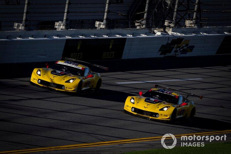 #3 Corvette Racing Corvette C7.R, GTLM: Ян Магнуссен, Антоніо Гарсія, Майк Рокенфеллер, #4 Corvette Racing Corvette C7.R, GTLM: Олівер Гевін, Томмі Мілнер, Марсель Фасслер