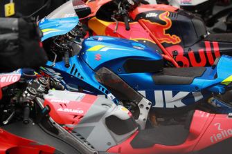 Мотоциклы Red Bull KTM Factory Racing, Team Suzuki MotoGP и Ducati Team