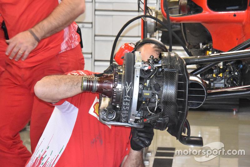 Detail rem Ferrari SF71H