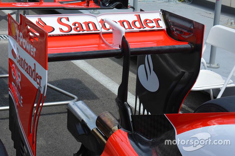 Detalle del alerón trasero de Ferrari