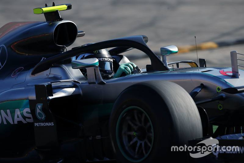 Nico Rosberg, Mercedes AMG F1 W07 Hybrid with the Halo cockpit cover