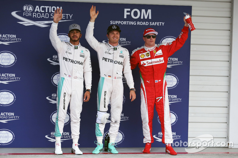 Qualifying top three in parc ferme (L to R): second place Lewis Hamilton, Mercedes AMG F1; Polesitter Nico Rosberg, Mercedes AMG F1; third place Kimi Raikkonen, Ferrari