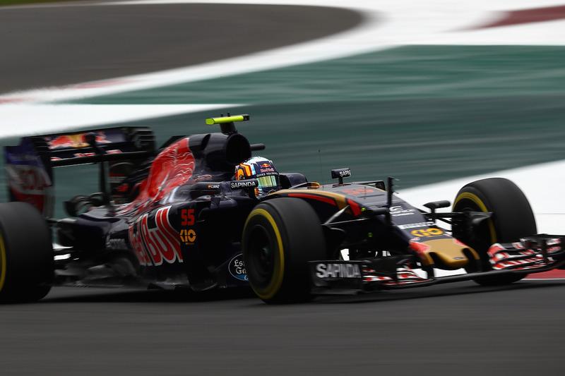 10: Карлос Сайнс-мол., Scuderia Toro Rosso STR11