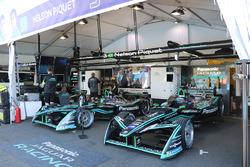 Le garage de l'équipe Jaguar Racing