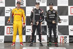 Ryan Hunter-Reay, Andretti Autosport Honda, Josef Newgarden, Team Penske Chevrolet, James Hinchcliffe, Schmidt Peterson Motorsports Honda, podium
