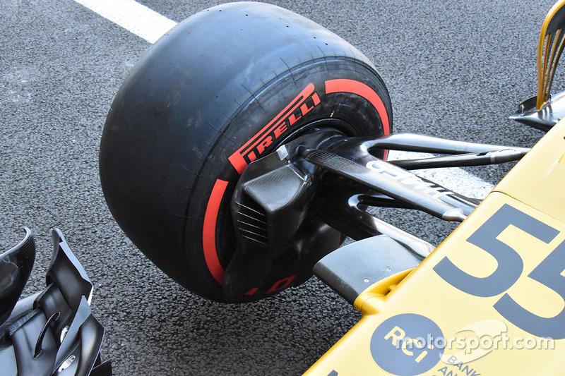 Renault Sport F1 Team RS17 ön süspansiyon detay