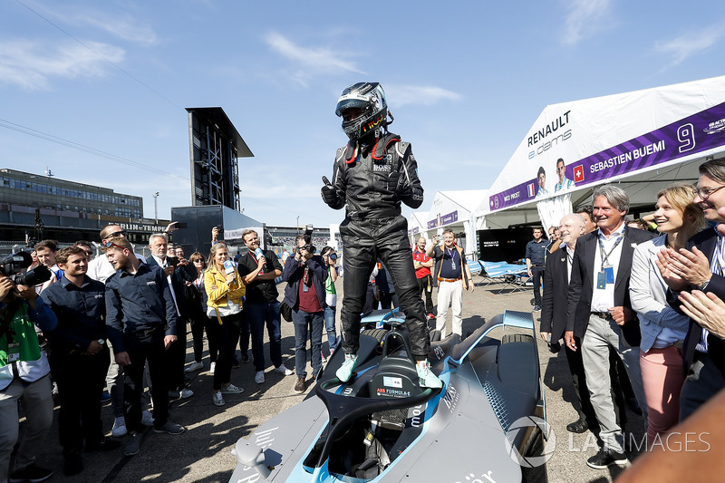 Nico Rosberg, Formula 1 World Champion, Formula E investor, with the new Gen2 Formula E Car