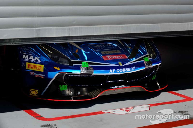 #75 T2 Motorsport Ferrari 488 GT3