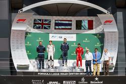 Podium: race winner Alexander Albon, DAMS, second place George Russell, ART Grand Prix, third place Antonio Fuoco, Charouz Racing System