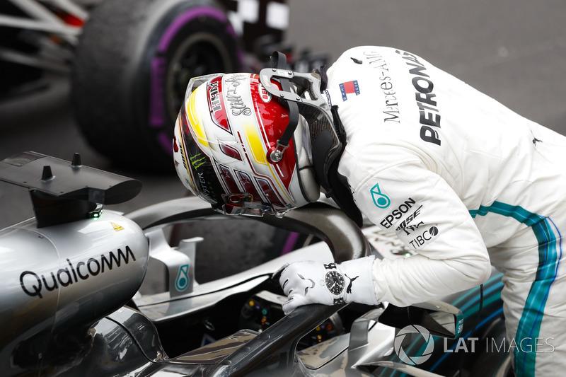 El tercer puesto Lewis Hamilton, Mercedes AMG F1, llega al Parc Ferme