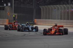 Sebastian Vettel, Ferrari SF71H, en tête