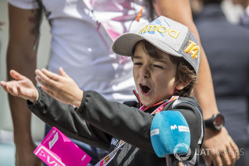 A young Fernando Alonso fan