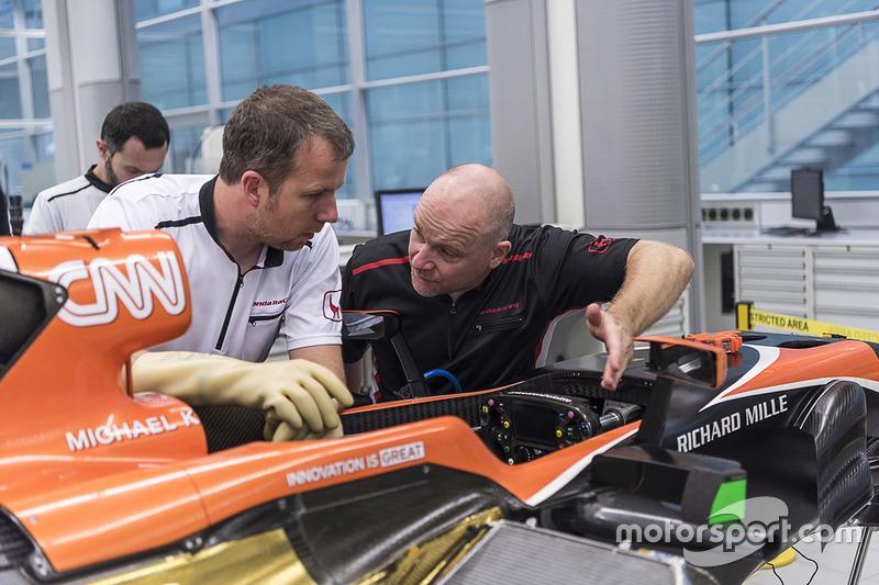 Ensamble del coche de McLaren