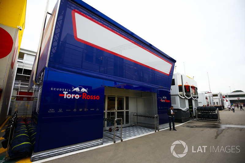 Motorhome Toro Rosso