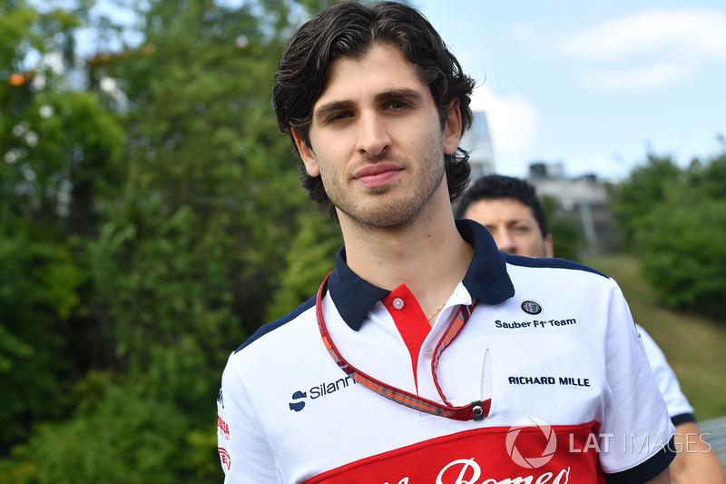 Antonio Giovinazzi, Sauber, recorre la pista
