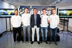 Pilotos de DTM en fila