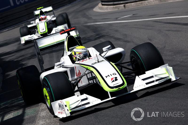 Mais uma atuação de domínio em 2009: Button liderou da largada à bandeirada, perdendo a ponta somente durante seus pitstops. Barrichello e Raikkonen, que largaram logo atrás, completando o pódio. Foi uma das raras provas em Mônaco sem safety car.