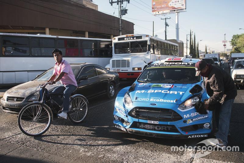 Mads Ostberg, Ola Floene, M Sport Ford Fiesta WRC Get A Car Wash