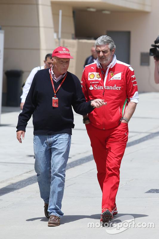 Niki Lauda, Mercedes voorzitter en Maurizio Arrivabene, Ferrari teambaas