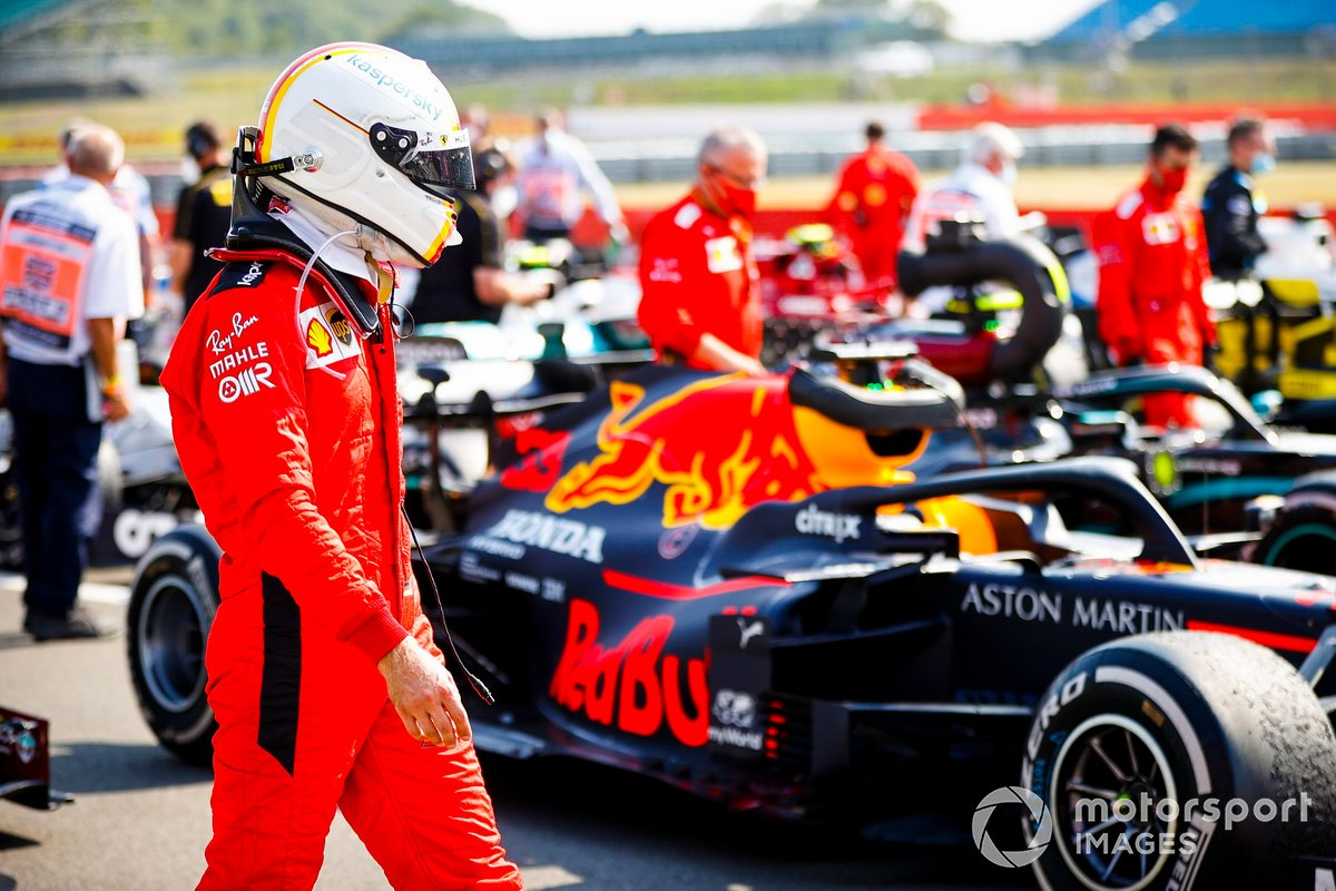 Sebastian Vettel, Ferrari in Parc Ferme looking at the car of Max Verstappen, Red Bull Racing RB16