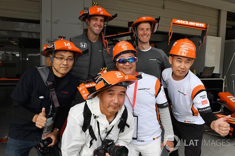 Уболівальники McLaren, гоночний інженер McLaren Марк Темпл
