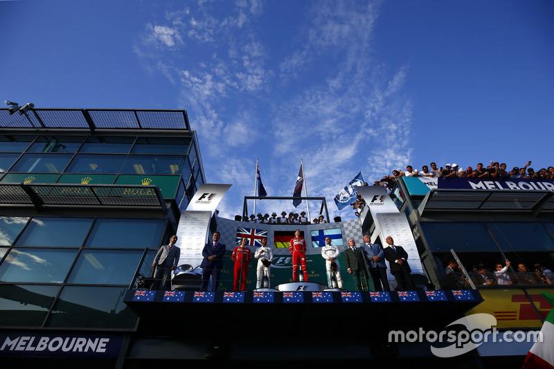 Podium: Luigi Fraboni, Motorenchef, Ferrari, 2. Lewis Hamilton, Mercedes AMG; 1.Sebastian Vettel, Ferrari; 3. Valtteri Bottas, Mercedes AMG