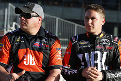 Christopher Bell, Kyle Busch Motorsports Toyota y Ryan Fugle, Kyle Busch Motorsports