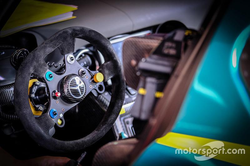 #52 SAITAMA TOYOPET Green Brave Mercedes-Benz SLS AMG GT3 cockpit