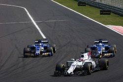 Paul di Resta ve Marcus Ericsson, Sauber C36 ve Pascal Wehrlein, Sauber C36