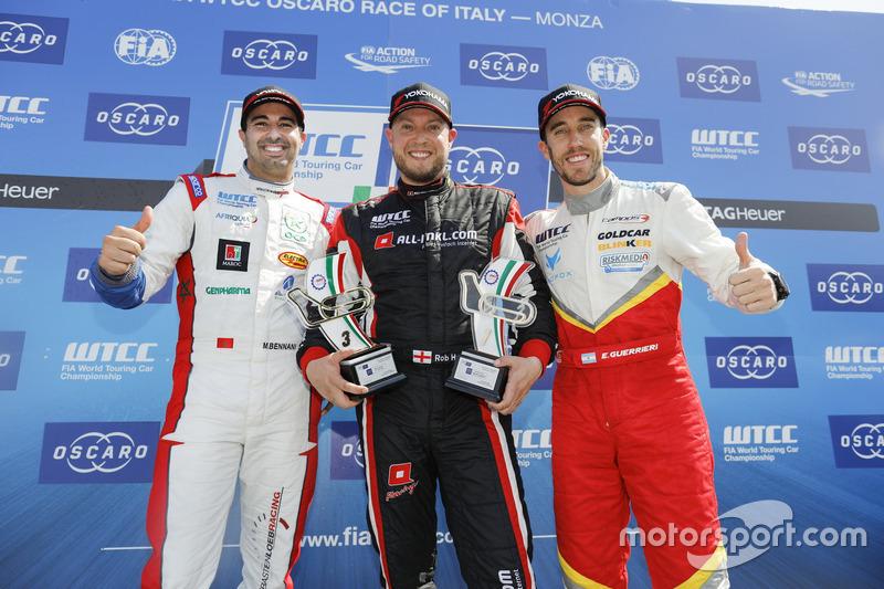 Trophy Podium: first place Rob Huff, All-Inkl Motorsport, Citroën C-Elysée WTCC, second place Mehdi