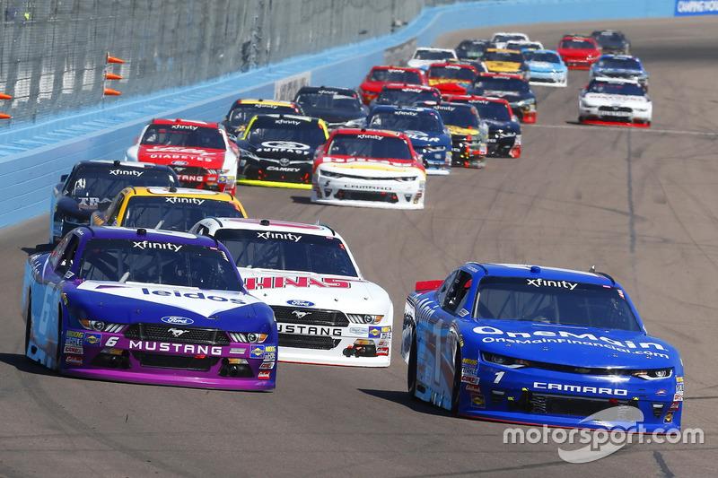 Elliott Sadler, JR Motorsports, Chevrolet; Darrell Wallace Jr., Roush Fenway Racing, Ford