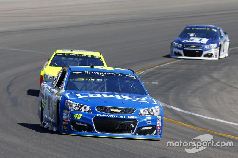 Jimmie Johnson, Hendrick Motorsports, Chevrolet; Dale Earnhardt Jr., Hendrick Motorsports, Chevrolet