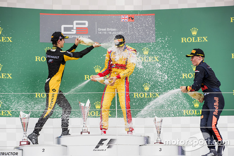 Podium: 1. Giuliano Alesi, Trident; 2. Jack Aitken, ART Grand Prix; 3. Niko Kari, Arden International