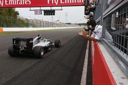 Победитель гонки, Mercedes AMG F1 W07 Hybrid