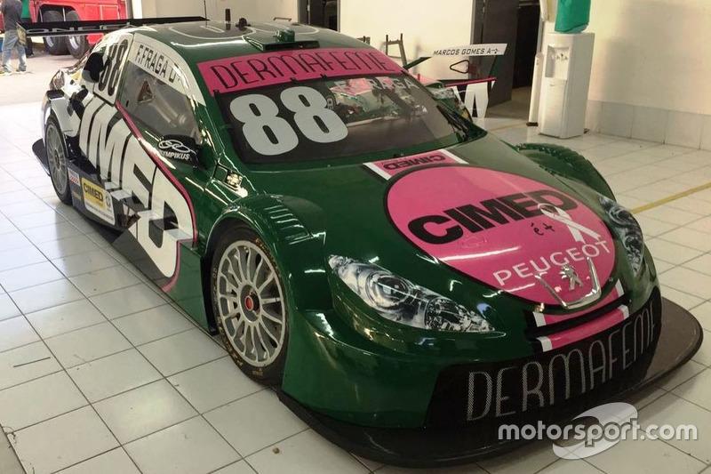 Pintura especial no carro de Felipe Fraga para Curitiba