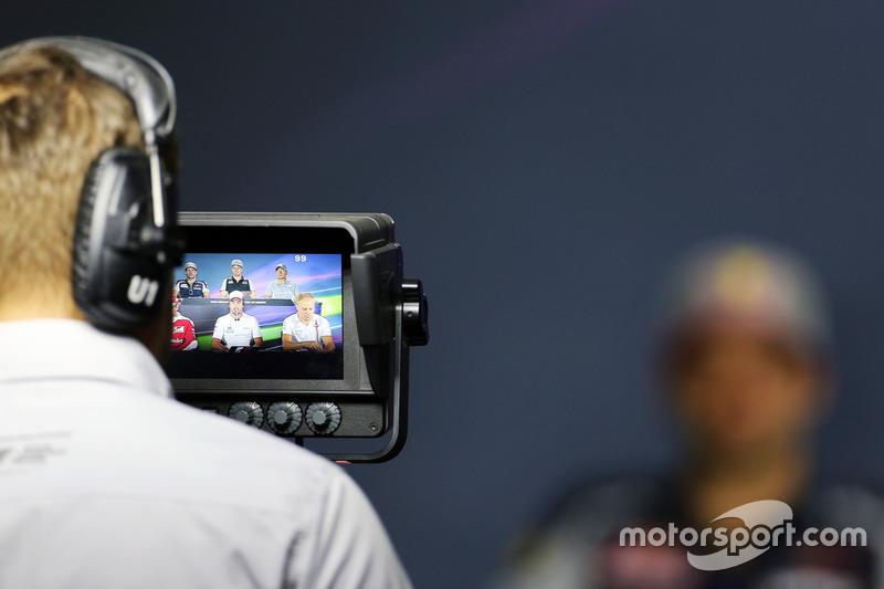 Carlos Sainz Jr., Scuderia Toro Rosso; Nico Hulkenberg, Sahara Force India F1; Rio Haryanto, Manor R