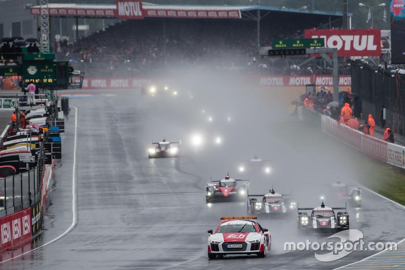 Arrancada con auto de seguridad: #2 Porsche Team Porsche 919 Hybrid: Romain Dumas, Neel Jani, Marc Lieb