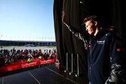 Daniil Kvyat, Red Bull Racing met fans