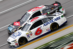 Trevor Bayne, Roush Fenway Racing Ford, Austin Dillon, Richard Childress Racing Chevrolet