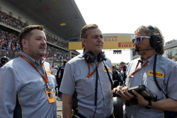 Paul Hembery, Pirelli Motorsport Director, Mario Isola, Pirelli Racing Manager and Massimiliano Damiani, Pirelli Chief Engineer on the grid