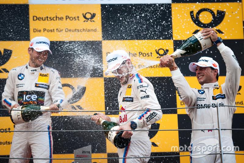 Podio: Tom Blomqvist, BMW Team RBM, BMW M4 DTM; Marco Wittmann, BMW Team RMG, BMW M4 DTM; Bruno Spen
