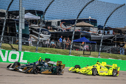 Josef Newgarden, Ed Carpenter Racing, Chevrolet; Simon Pagenaud, Team Penske, Chevrolet