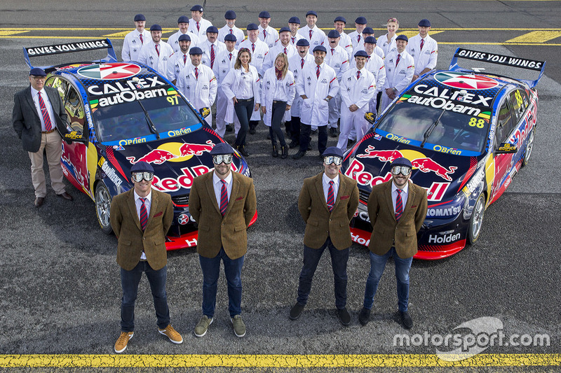 Shane van Gisbergen, Triple Eight Race Engineering, Holden; Jamie Whincup, Triple Eight Race Enginee