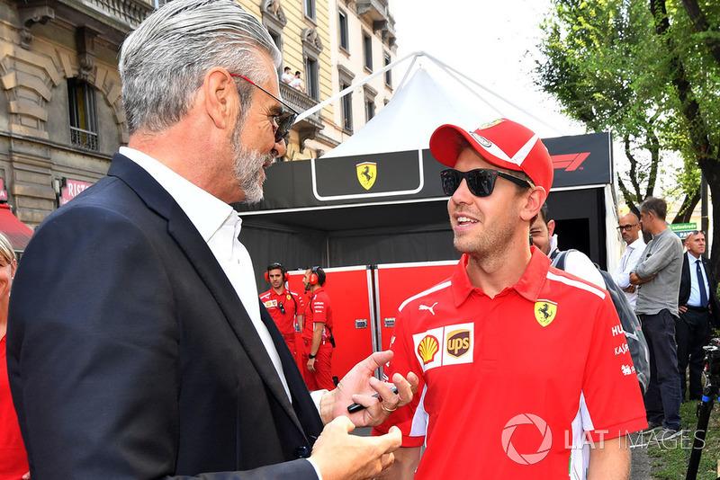 Maurizio Arrivabene, Ferrari Team Principal, Sebastian Vettel, Ferrari