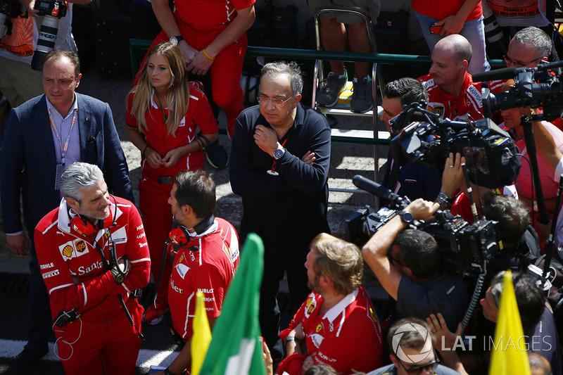 Мауріціо Аррівабене, керівник Ferrari, Серджіо Маркіонне, генеральний директор Fiat Chrysler і голова Ferrari, після перемоги Себастьяна Феттеля Ferrari