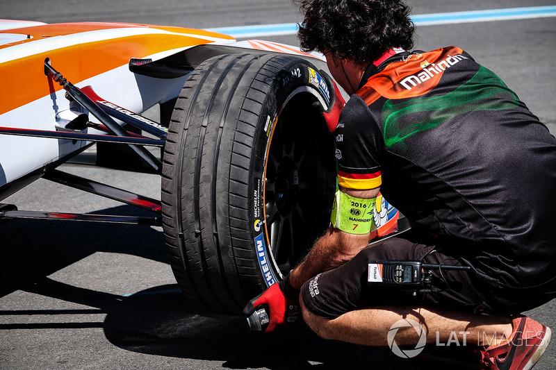 Mechaniker: Mahindra Racing