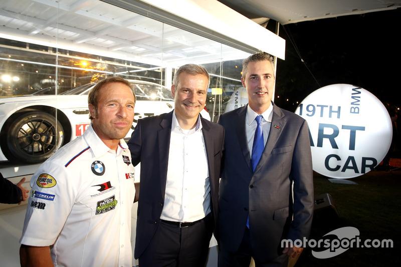 Bill Auberlen; Jens Marquardt, BMW Motorsport Director; Ed Bennett, Director Ejecutivo IMSA