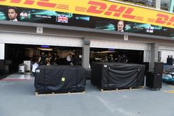 Бокси Mercedes AMG F1