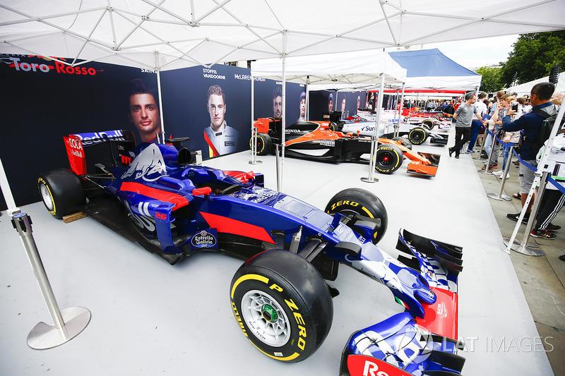 Болід Toro Rosso