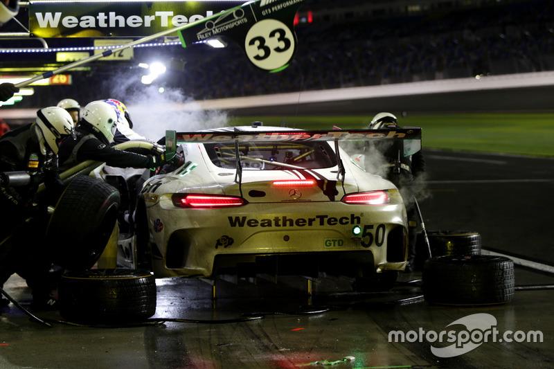 Pitstop, #50 Riley Motorsports Mercedes AMG GT3: Gunnar Jeannette, Cooper MacNeil, Shane van Gisberg